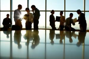 Gente interactuando - Consuldat Abogados y Consultores